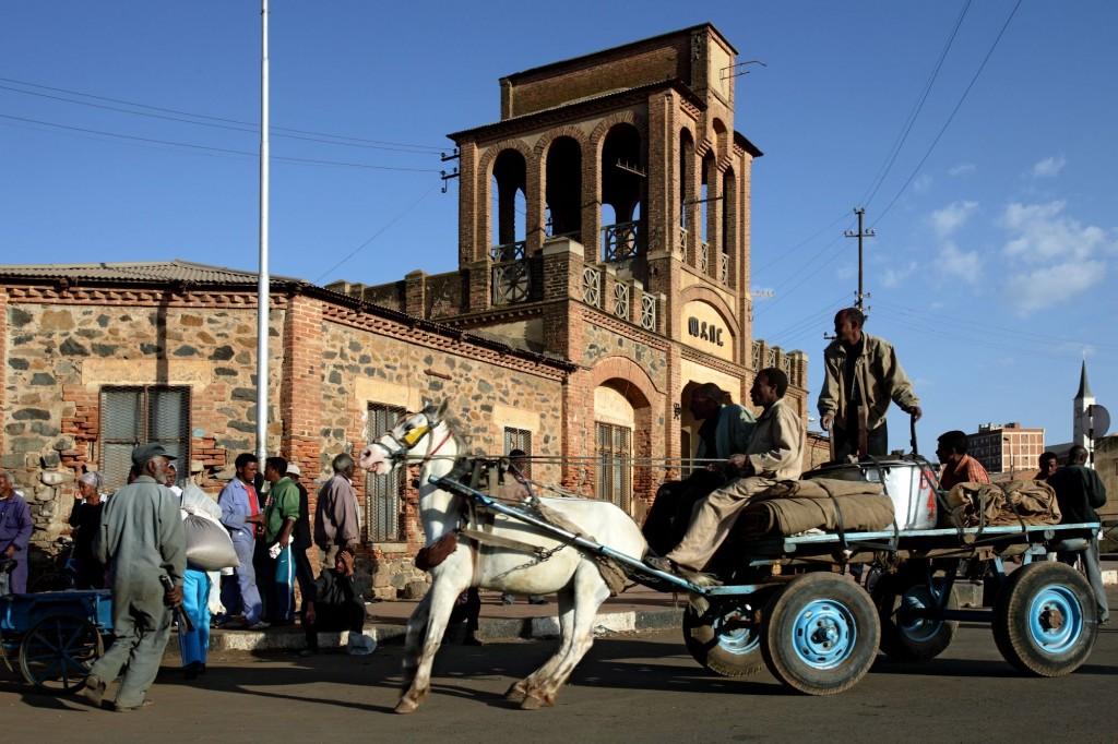075 Eritrea b zanzottera caravanserraglio