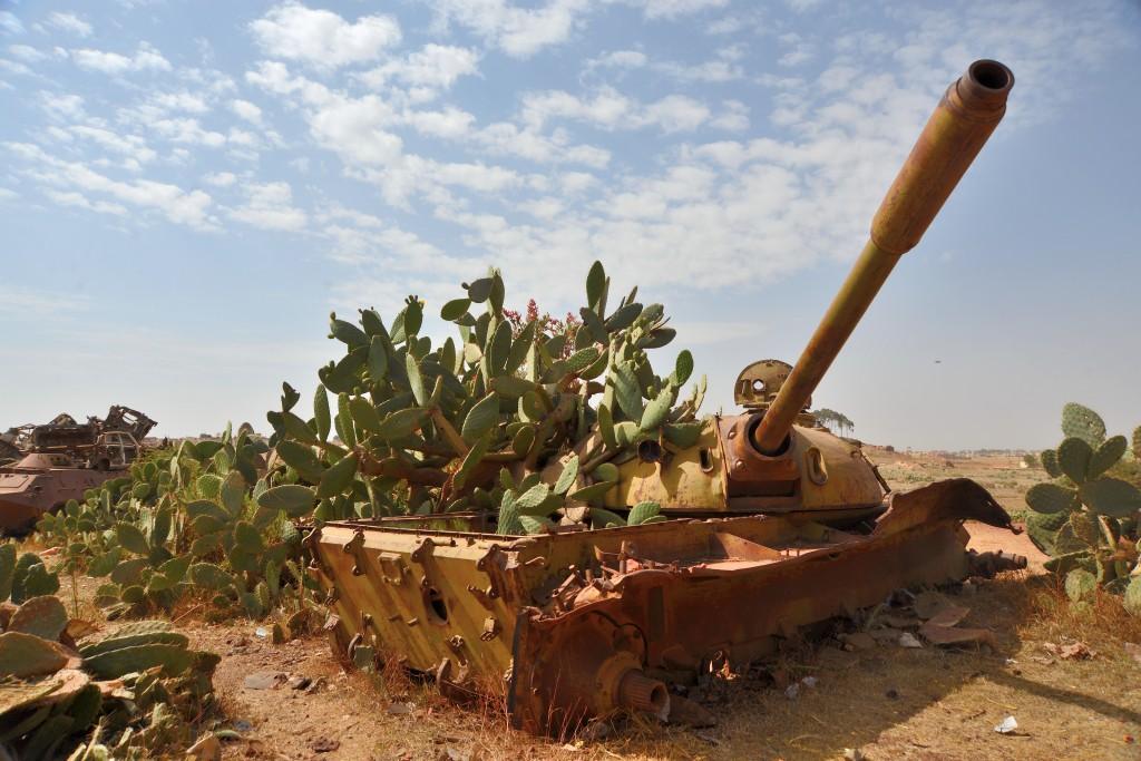 Asmara, cimitero dei carri armati, dove gli etiopi assemblavano gli armamenti