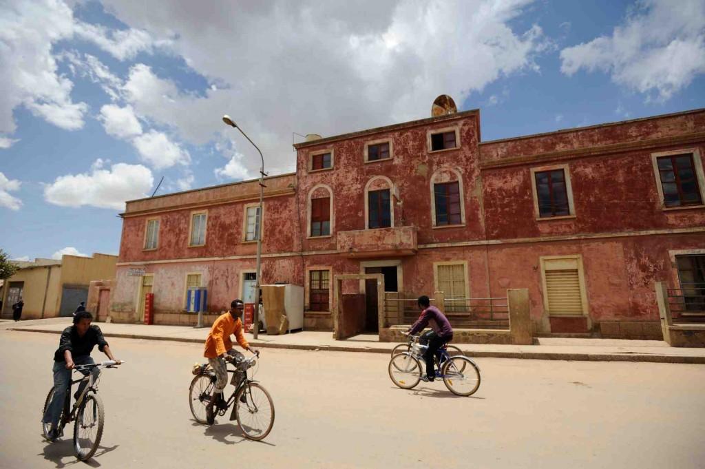 ©Antonio Politano, Asmara, ragazzi in bicicletta