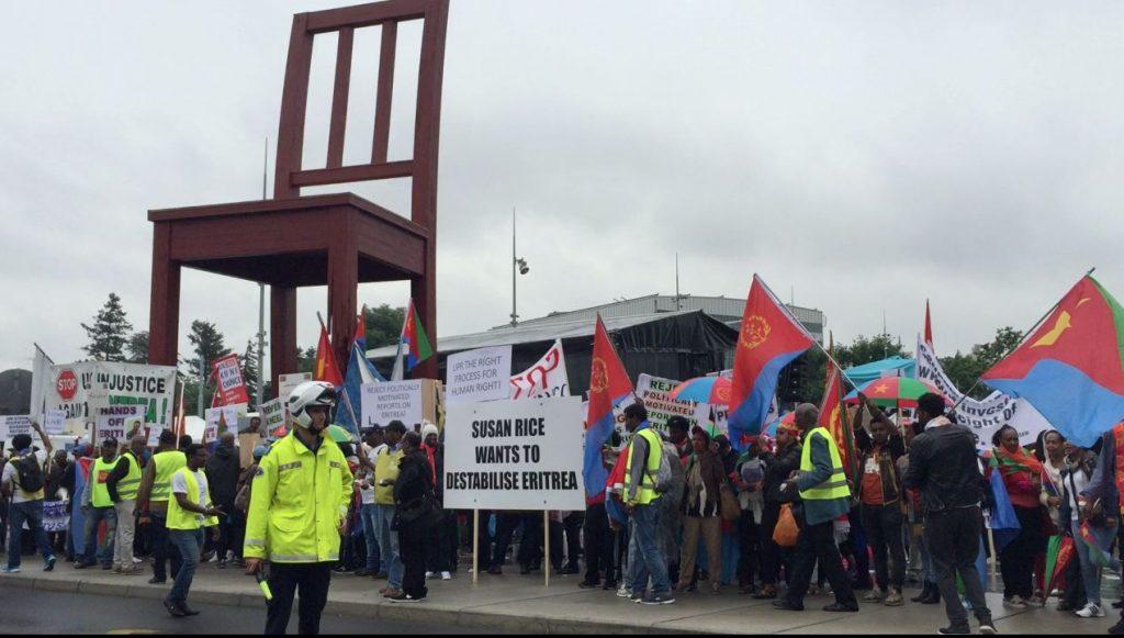Ginevra, manifetanti eritrei davanti al palazzo dell'Onu per protestare contro il rapporto della Commissione d'Inchiesta