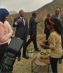 Punto di ristoro con i beles per il premier Abiy Ahmed e il presidente Isaias Afwerki